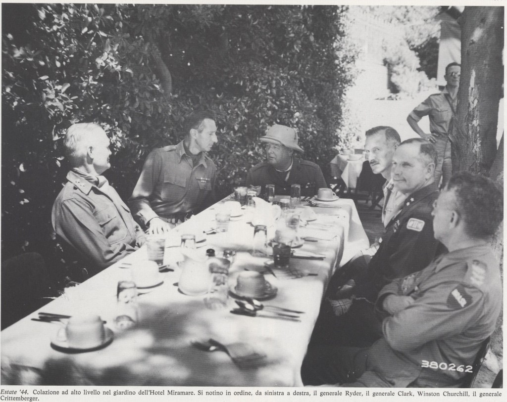 Colazione all'aperto con Churchill