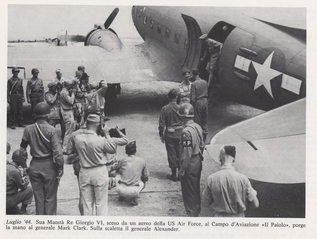 Generale Alexander ,Giorgio VI e Clark al loro   arrivo al Campo di Aviazione Il Paiolo