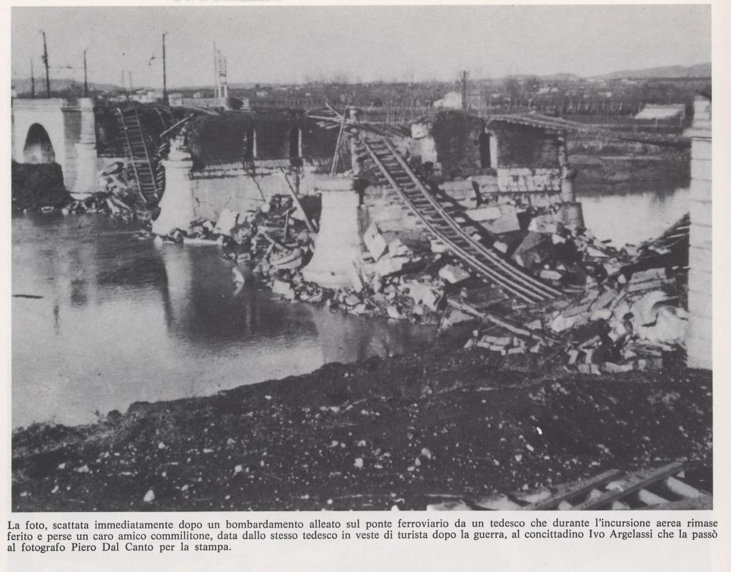 I ponti distrutti, foto scattata da un tedesco durante l'incursione