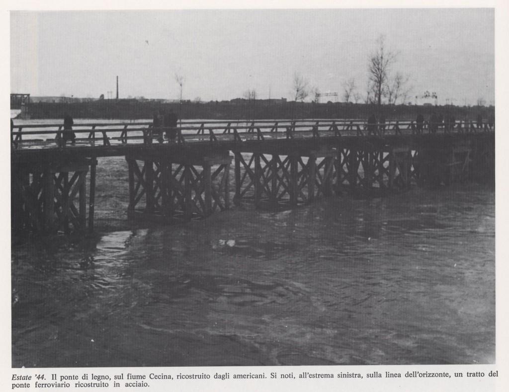 Ponte di legno costruito dagli americani