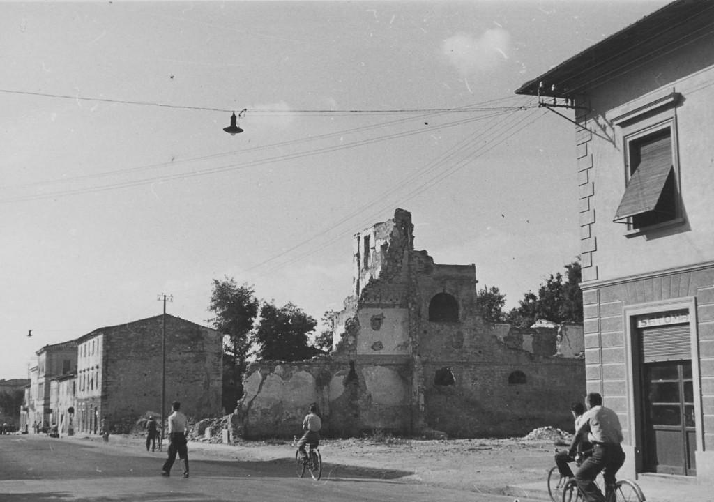 piazza libertà bombardata 2