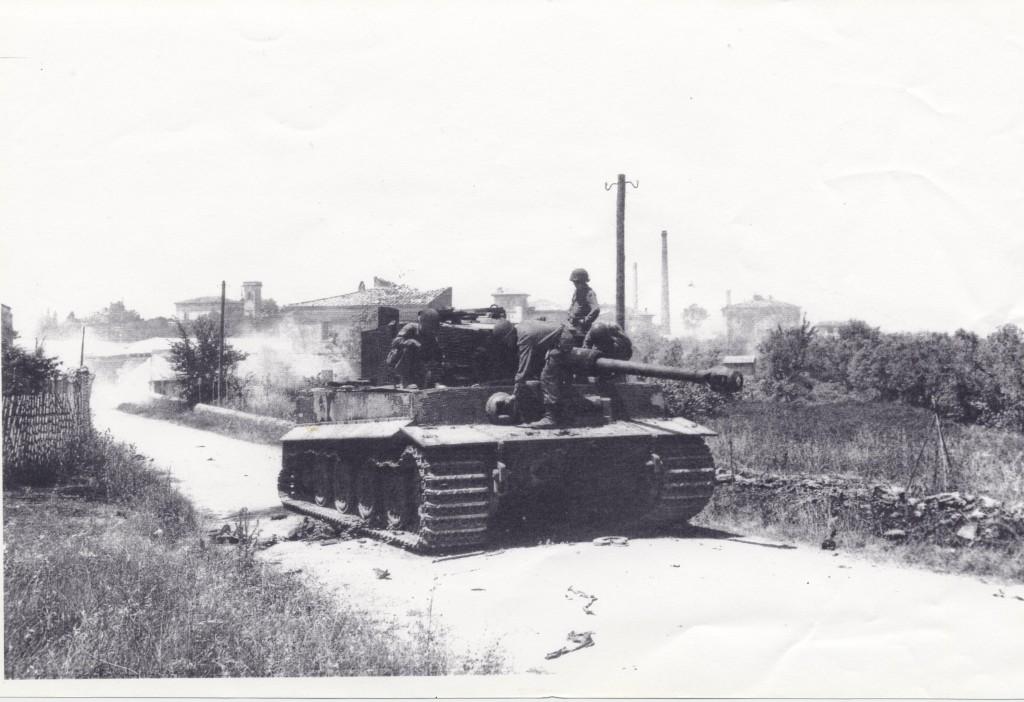tiger tedesco in via Montanara 1944- ispez. dagli americani